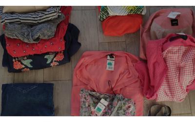 Vásárlás stylisttal: Farmer pólóból nőiesebb ruhatár